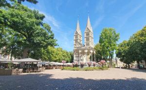 Munsterkerk en Kiosk Roermond